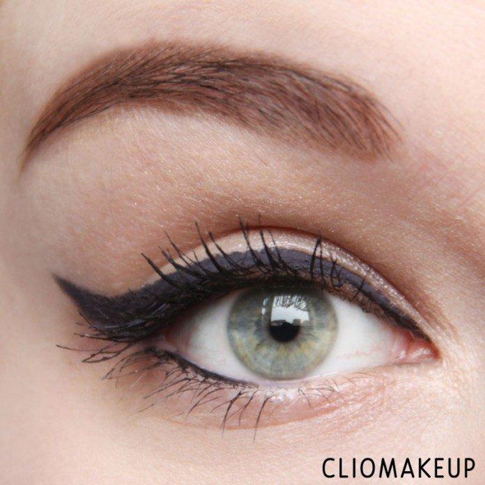 Eyeliner InkMe - Ankh di Neve Cosmetics applicato da ClioMakeup con stile egiziano anni '50, '60 e '70 con codina