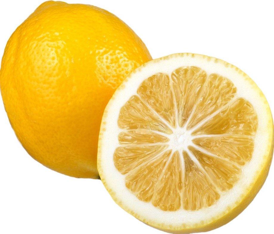 Frutto di limone naturale biologico tagliato maturo