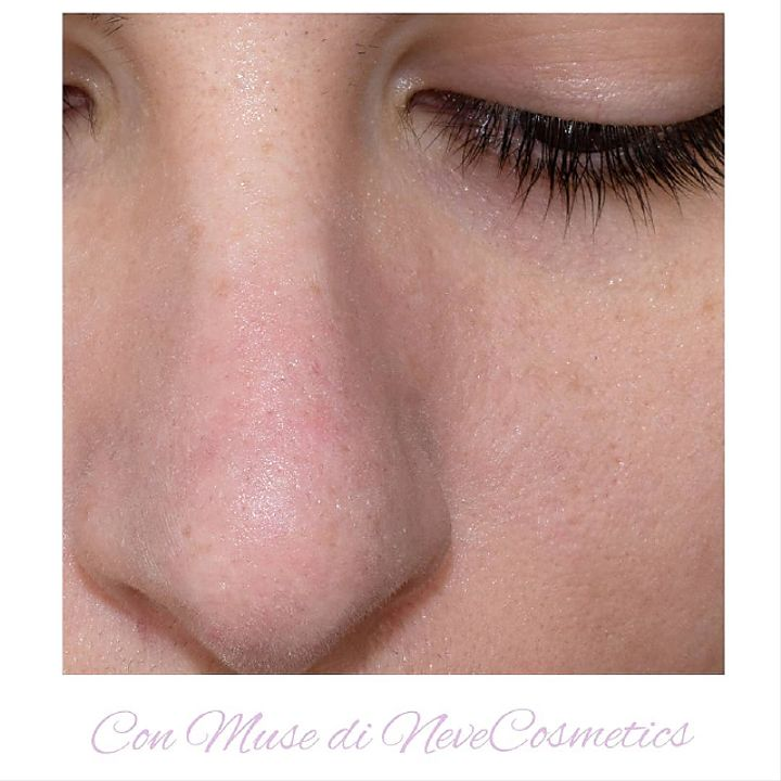 Pelle del naso dopo l'applicazione di Muse con i pori nascosti