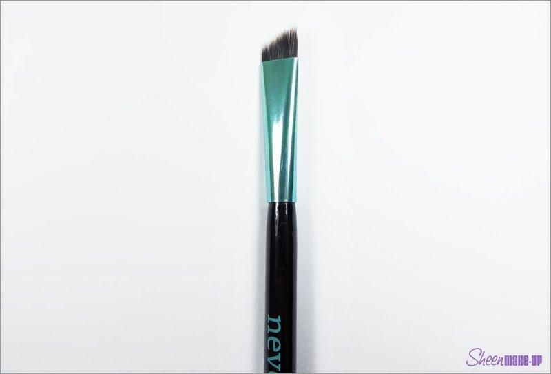 Pennello del Set Aqua Eyeliner di Neve Cosmetics