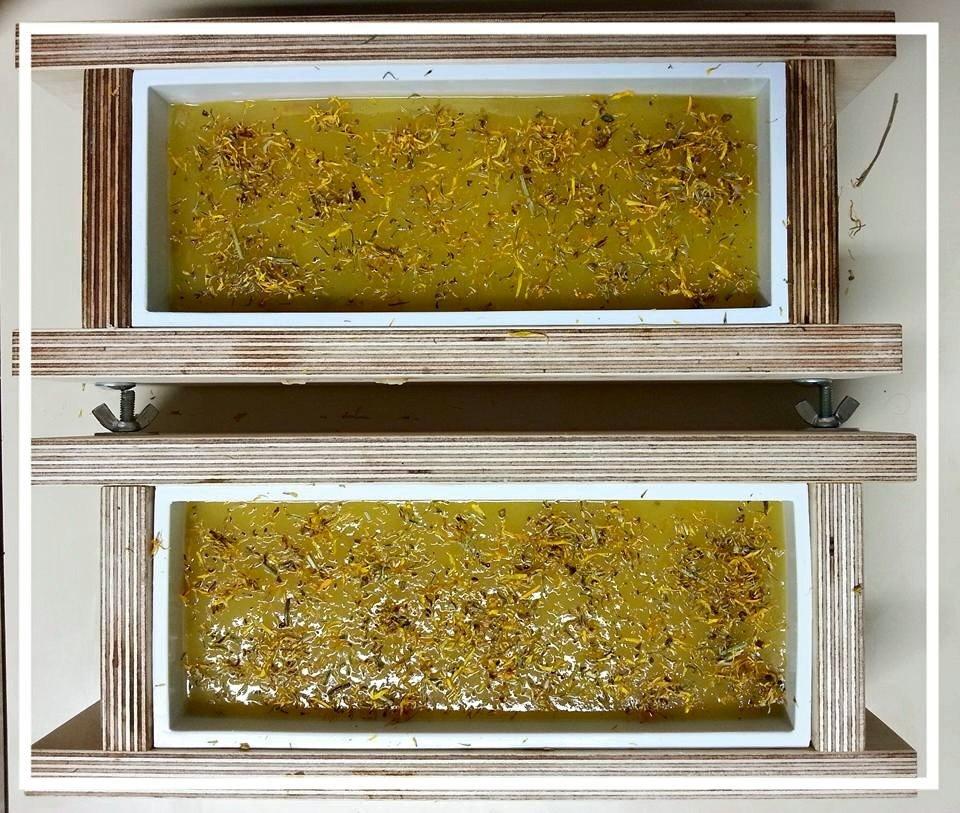 Produzione del sapone solido con il metodo a freddo